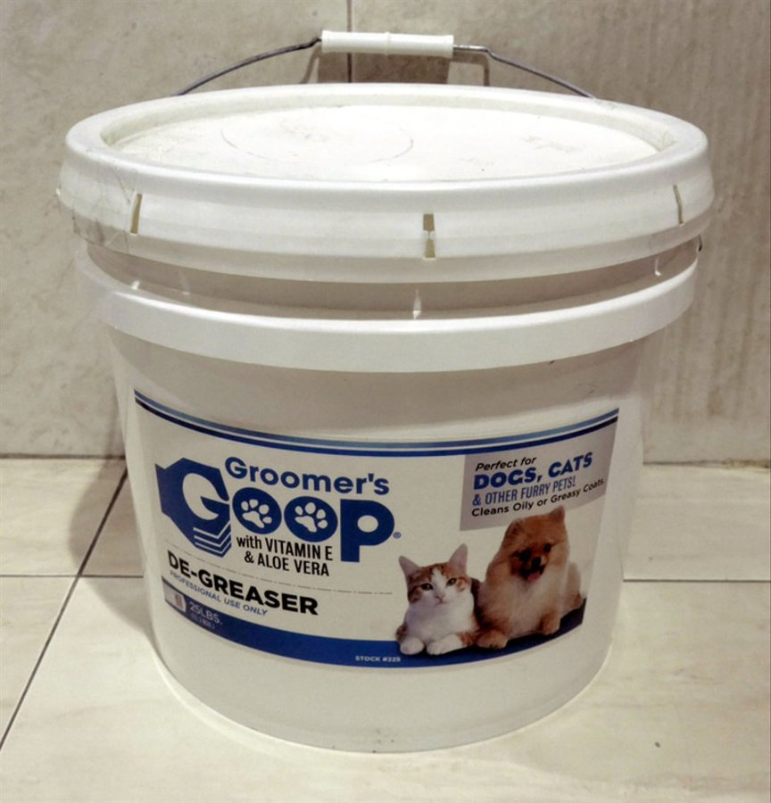 Groomer`s Goop Paste, 11,25 kg - Removes tough soils and stains from dirty coats